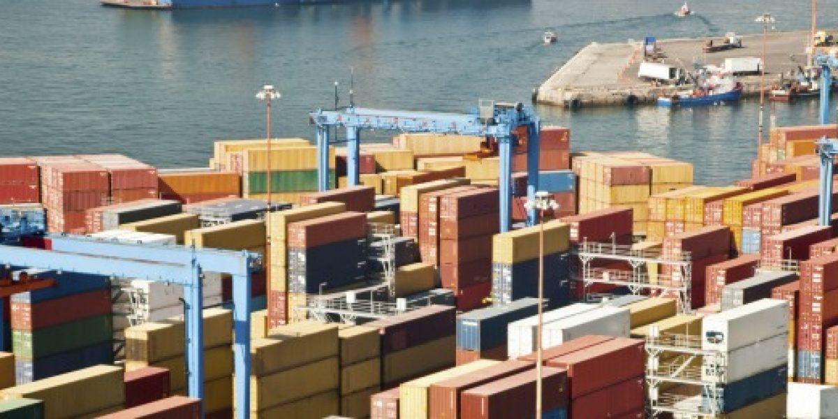 Balanza comercial de Chile anota superávit, pero registra baja de 61% en 2012