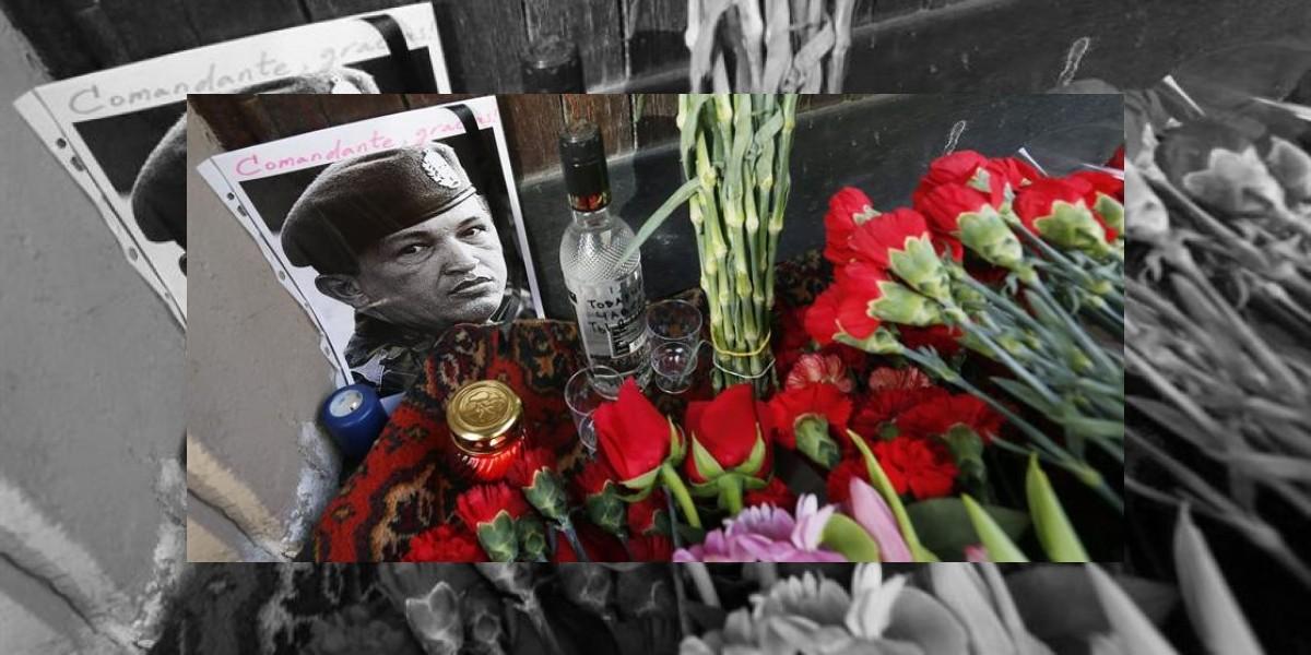 Piden sepultar a Hugo Chávez junto al prócer Simón Bolívar