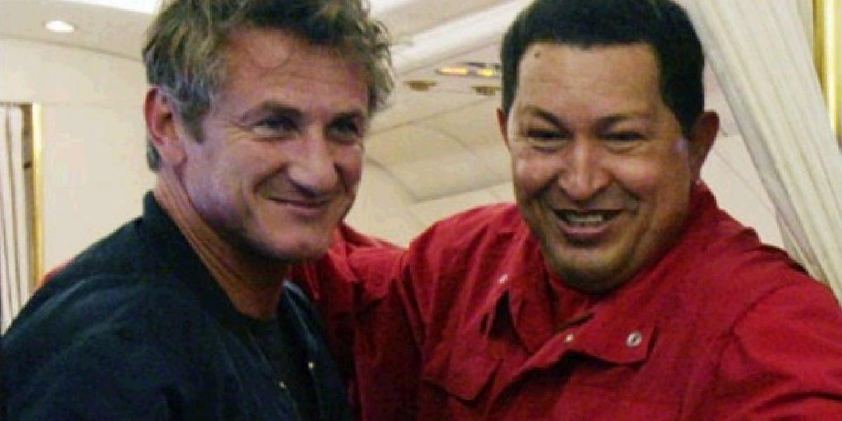 Sean Penn y Oliver Stone rinden homenaje a Chávez