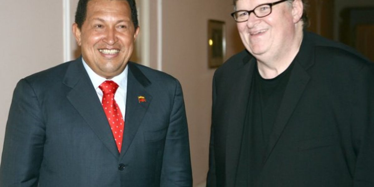 Michael Moore glorifica a Chávez como un