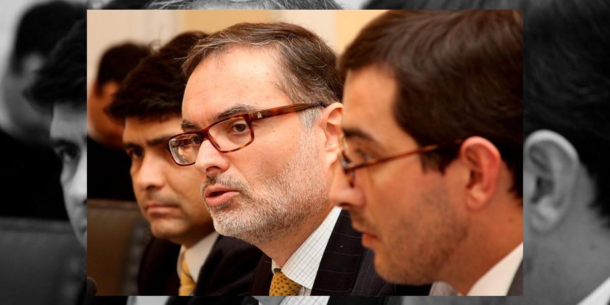 Caso Pereira: La dura carta del jefe de prensa al director del SII