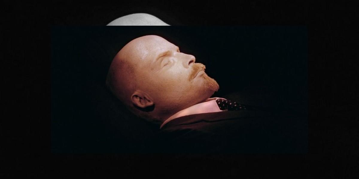 Especialistas en momia de Lenin podrían embalsamar a Hugo Chávez