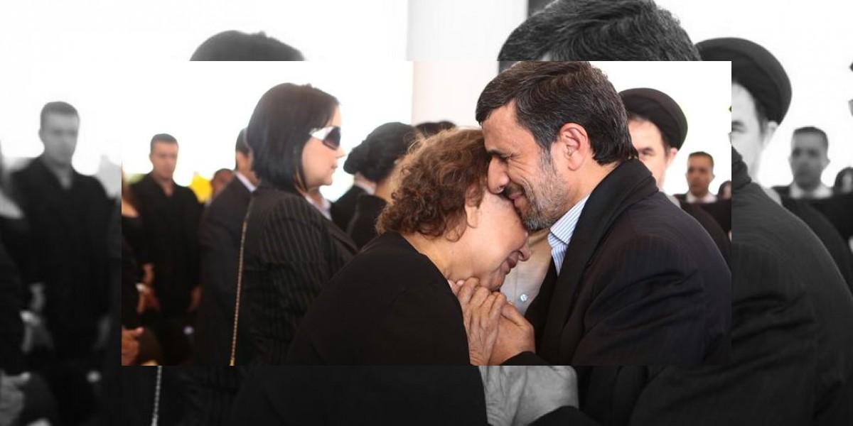 Irán: Polémica por foto del presidente Ahmadineyad y la madre de Chávez