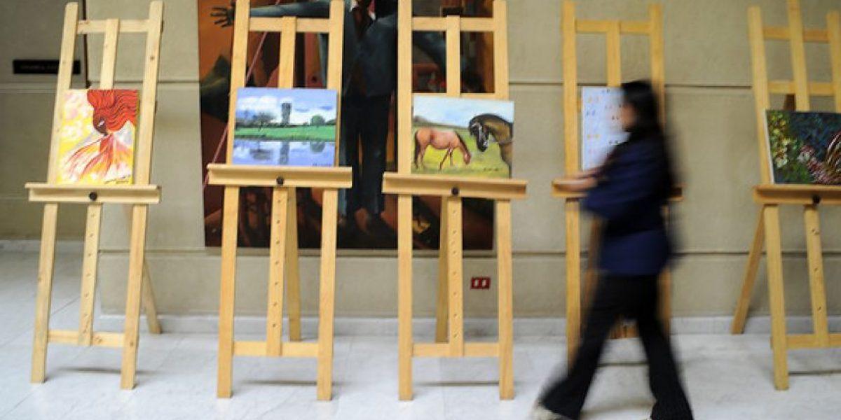 [FOTOS] Congreso exhibe en sus pasillos pinturas del Presidente Piñera y otros políticos