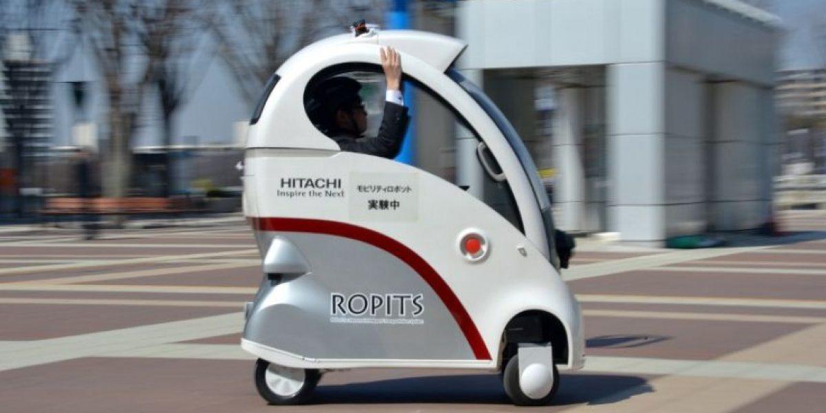 [FOTOS] Presentan en Japón el auto robot que se maneja solo