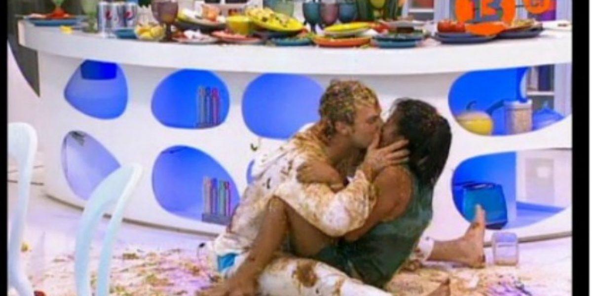 MO2: Artur le declara su amor a Fanny y se besan