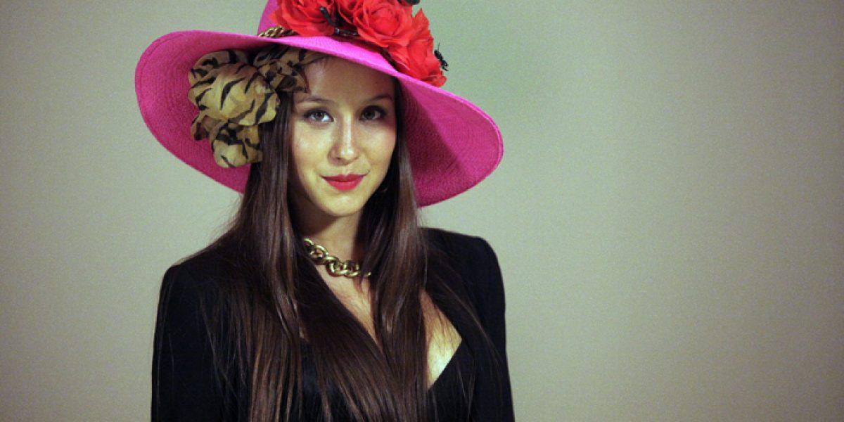 Con este sensual look llegó Denise Rosenthal a evento de E!