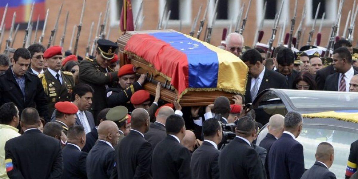 Comienza el traslado del cuerpo de Hugo Chávez al Cuartel de la Montaña