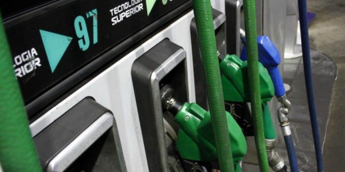 Precio de gasolinas bajaría $9 promedio la próxima semana