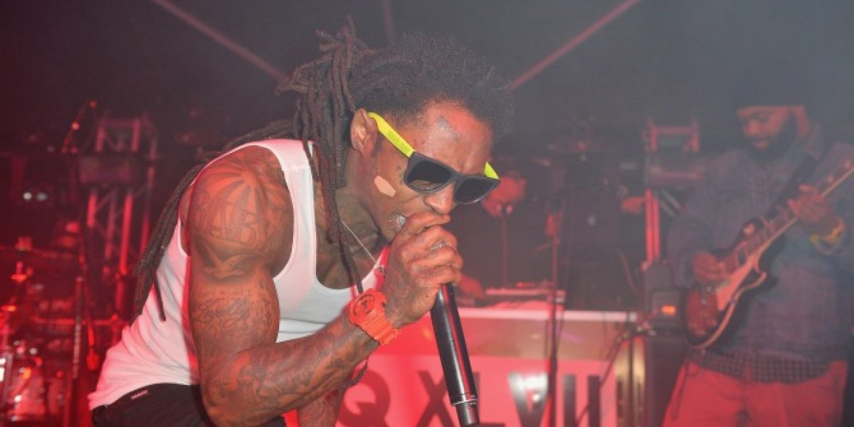 Rapero Lil Wayne sufre ataque cerebral y está en condición