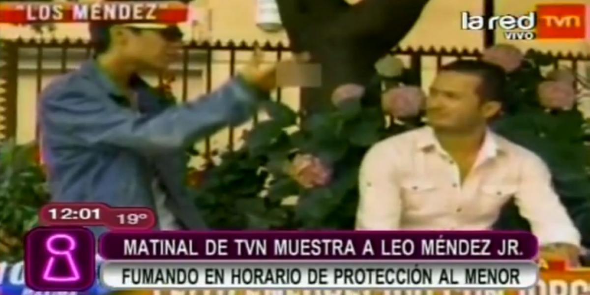 Polémica: BDAT muestra a Leo Méndez Jr. fumando en horario de protección al menor