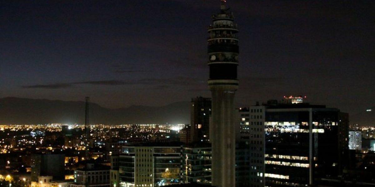 Chile apaga la luz de sus edificios más emblemáticos en