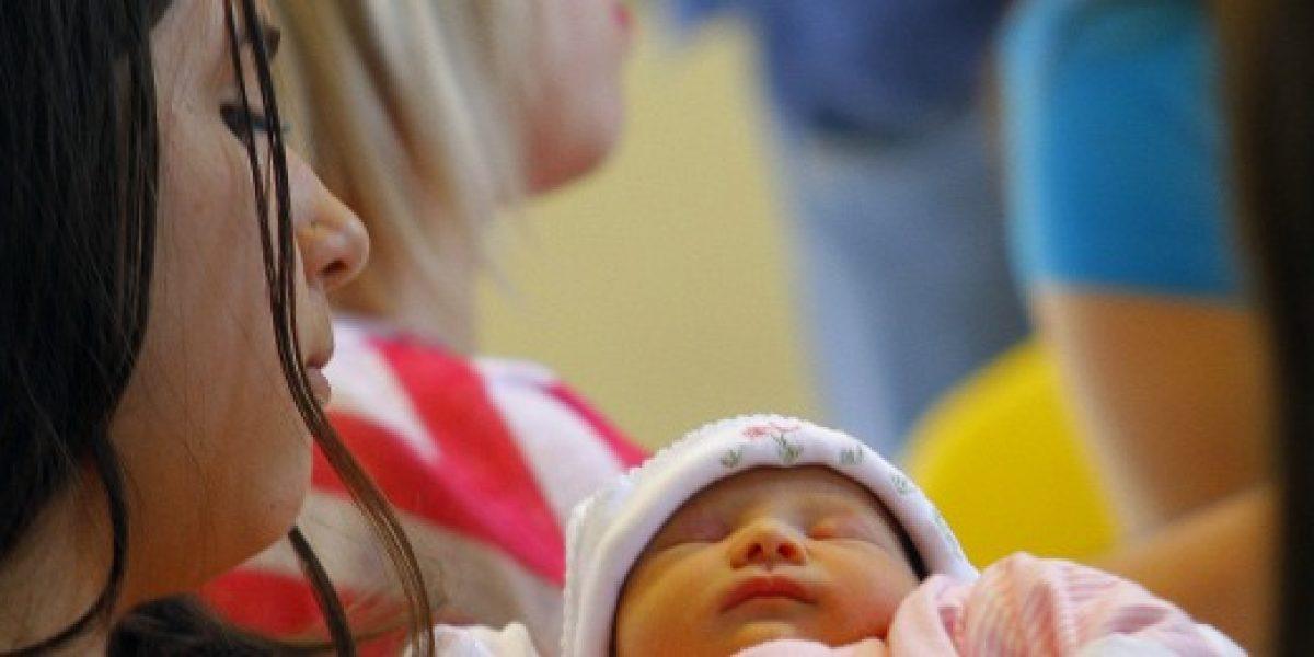 Allamand propone bono para madres adolescentes que opten por la vida