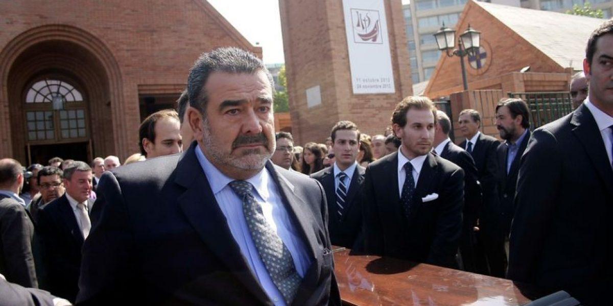 [FOTOS] Hermanos despiden emocionados a Guillermo Luksic junto a figuras politicas