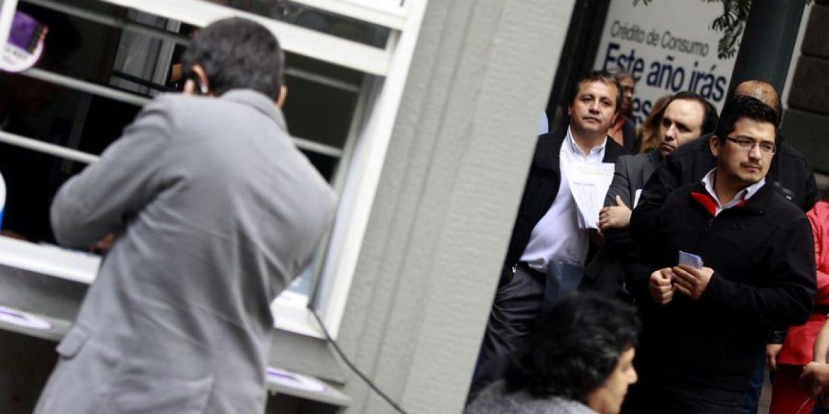 [GALERÍA] Conductores soportan larga espera en plantas de revisión técnica en Santiago