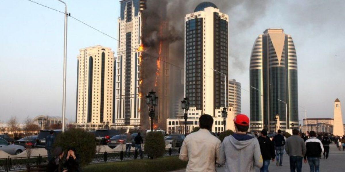 Fotos: Rascacielo en Rusia arde en llamas