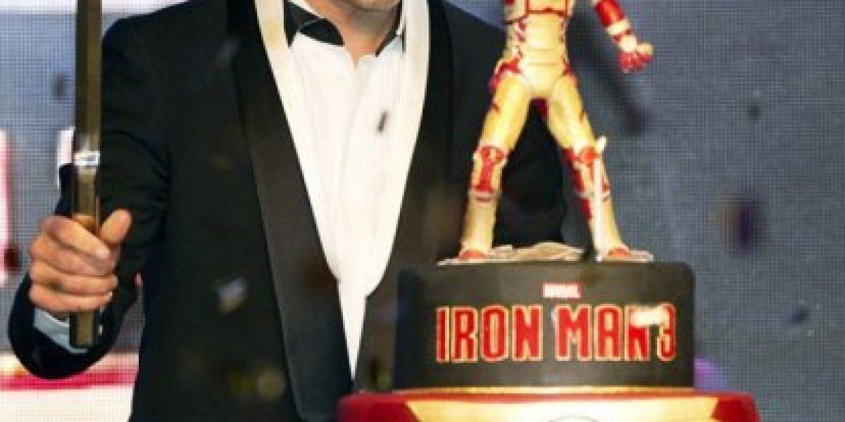 Robert Downey Jr. celebra su cumpleaños con torta de Iron Man