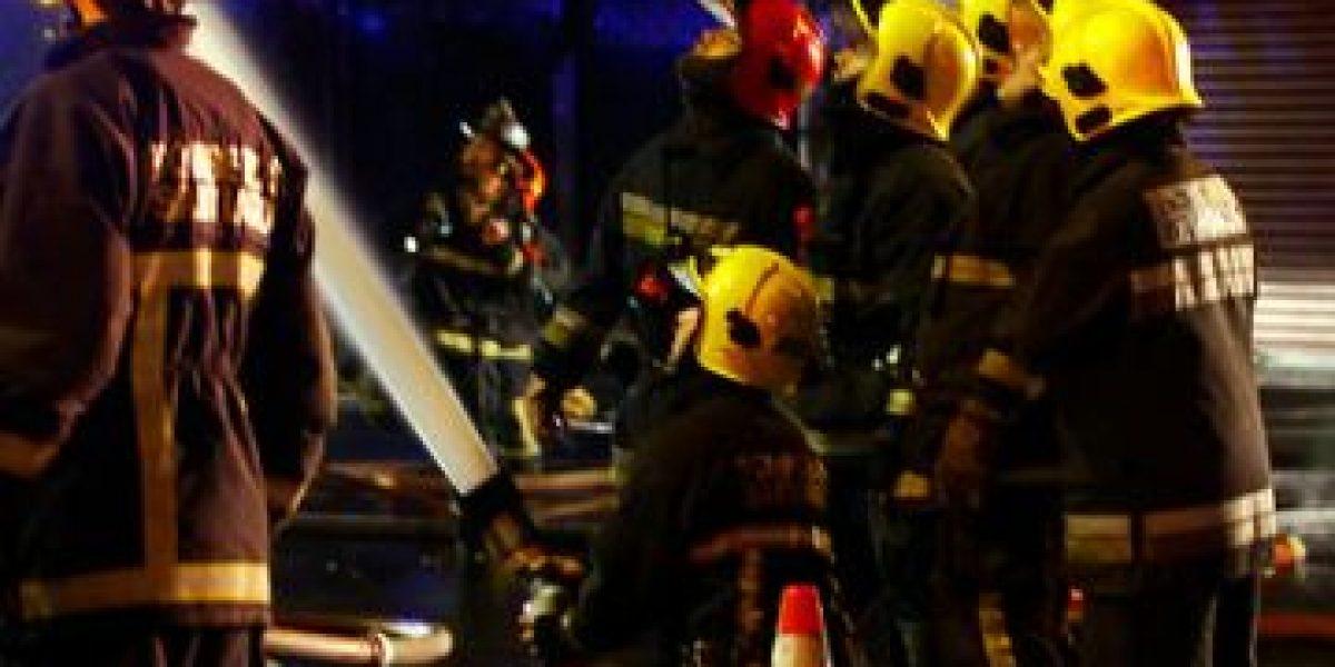 Impresionantes imágenes del incendio que afectó al edificio que alberga a la Confitería Torres