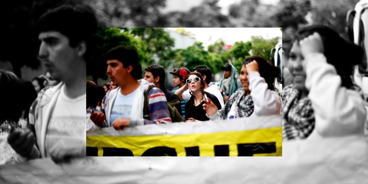 Revisa los desvíos de tránsito por marcha estudiantil en Santiago