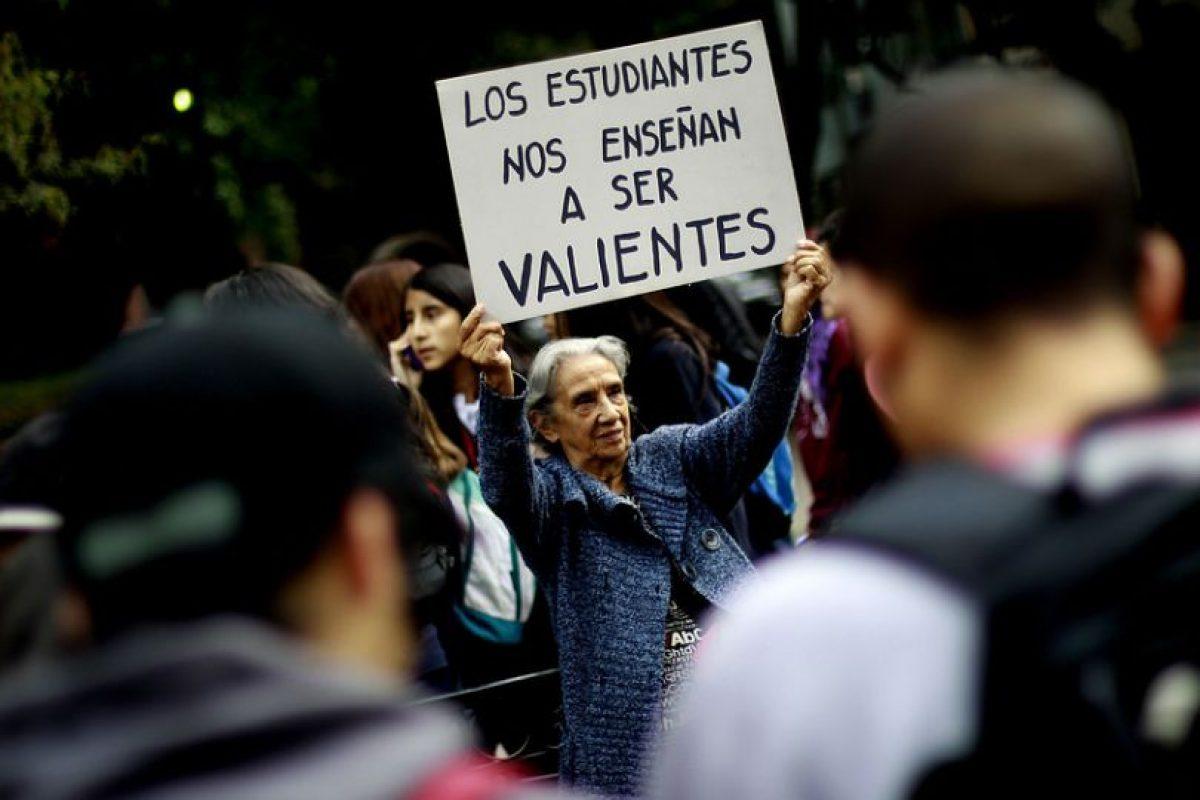 Resultado de imagen para ABUELOS MARCHAS EN CHILE