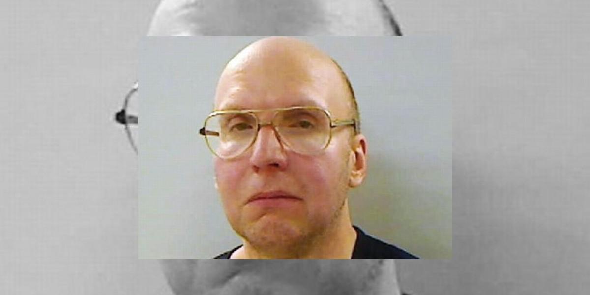 Policía de EE.UU. arresta a un ermitaño desaparecido desde 1986