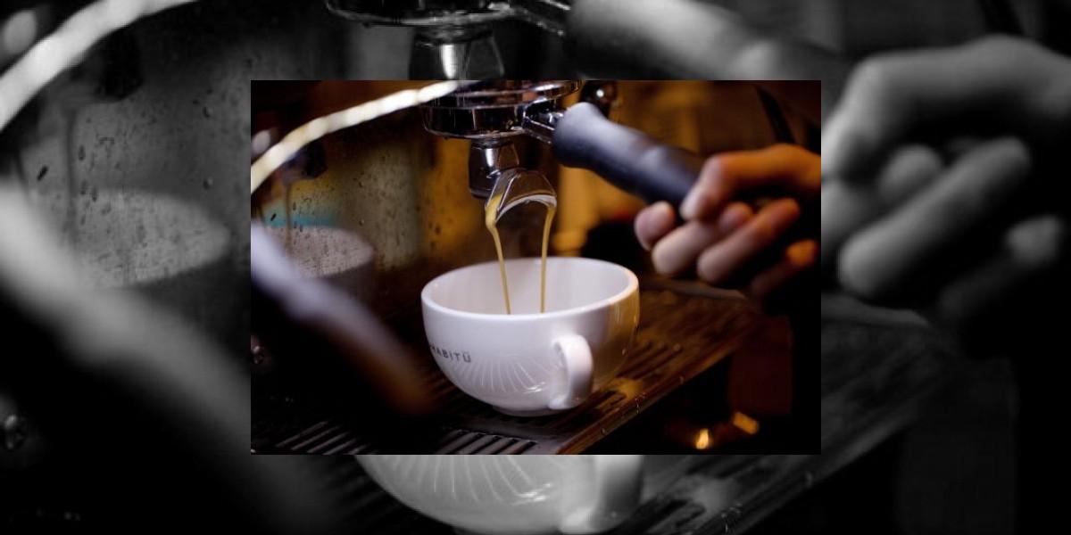 Atención mujeres: Tomar café influye en el tamaño de los pechos