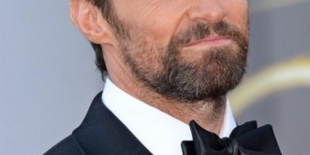 Hugh Jackman es acosado ante un gimnasio por una fan con una afeitadora