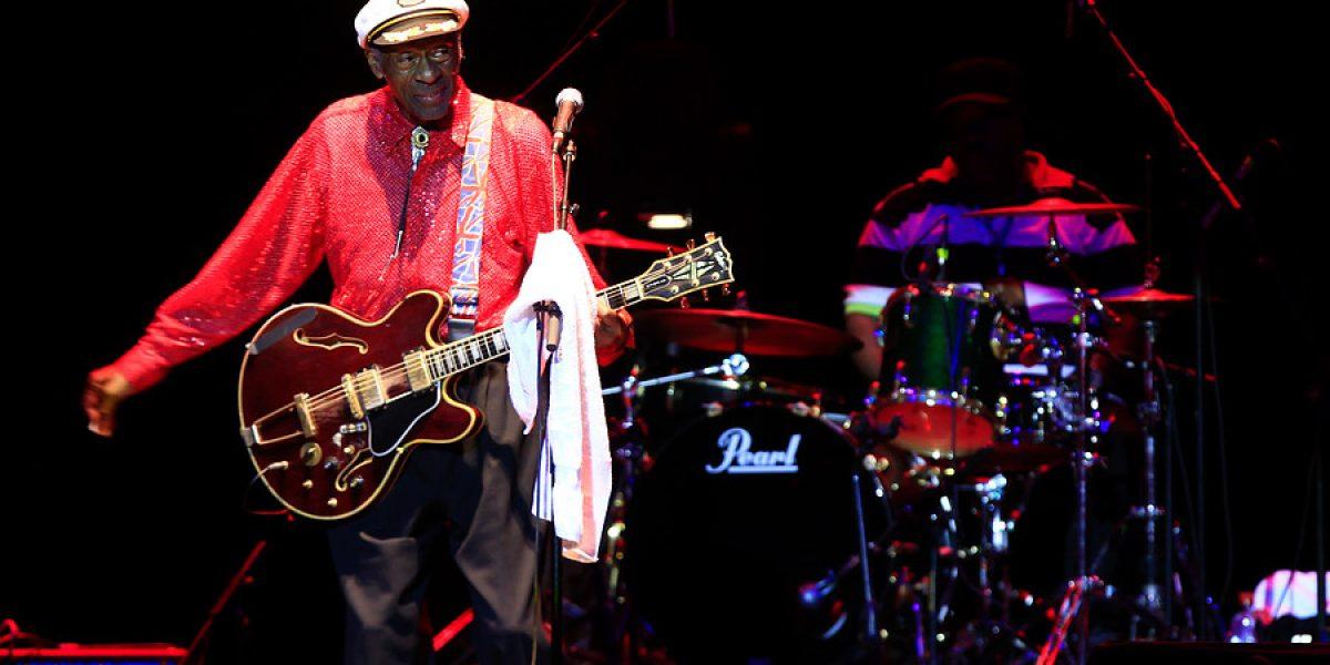 Chuck Berry se fue entre aplausos pese a su pobre show