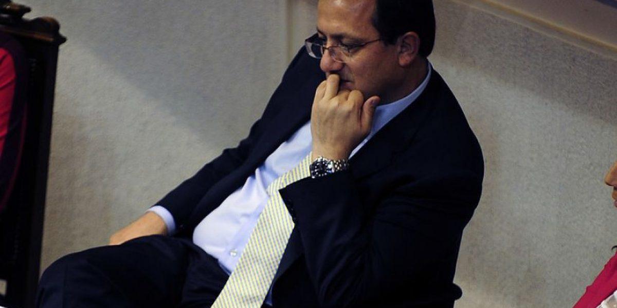 [FOTOS] Tensión marca jornada clave para Harald Beyer en el Senado