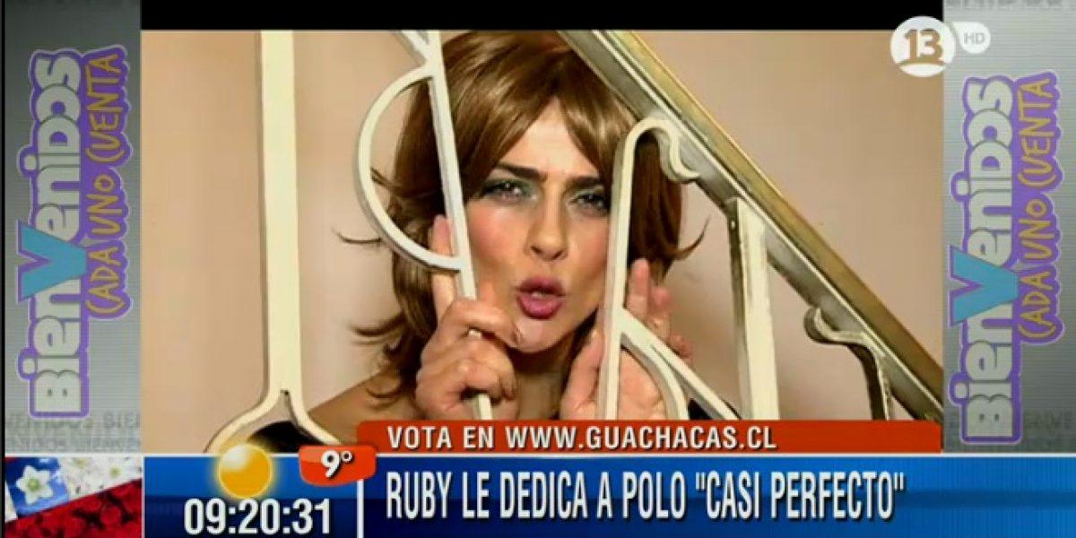 Tonka Tomicic realiza sexy performance para apoyar a Polo Ramírez