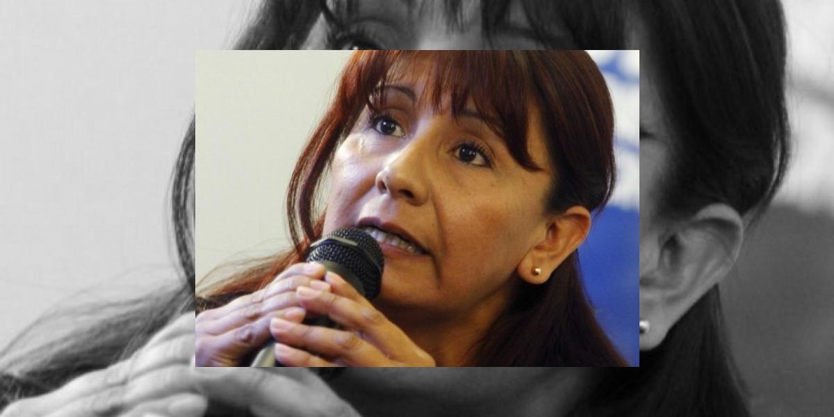 Candidata a La Moneda propone que recetario de Lavín sea obligatorio para las autoridades