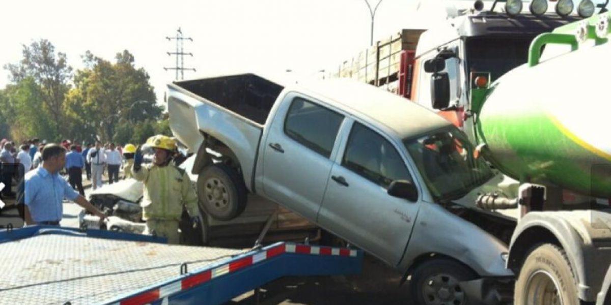 Suben a Twitter impactantes  fotos del accidente en Curicó
