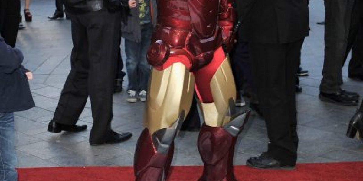Robert Downey Jr. llega con su esposa a la premiere de Iron Man 3 en Londres