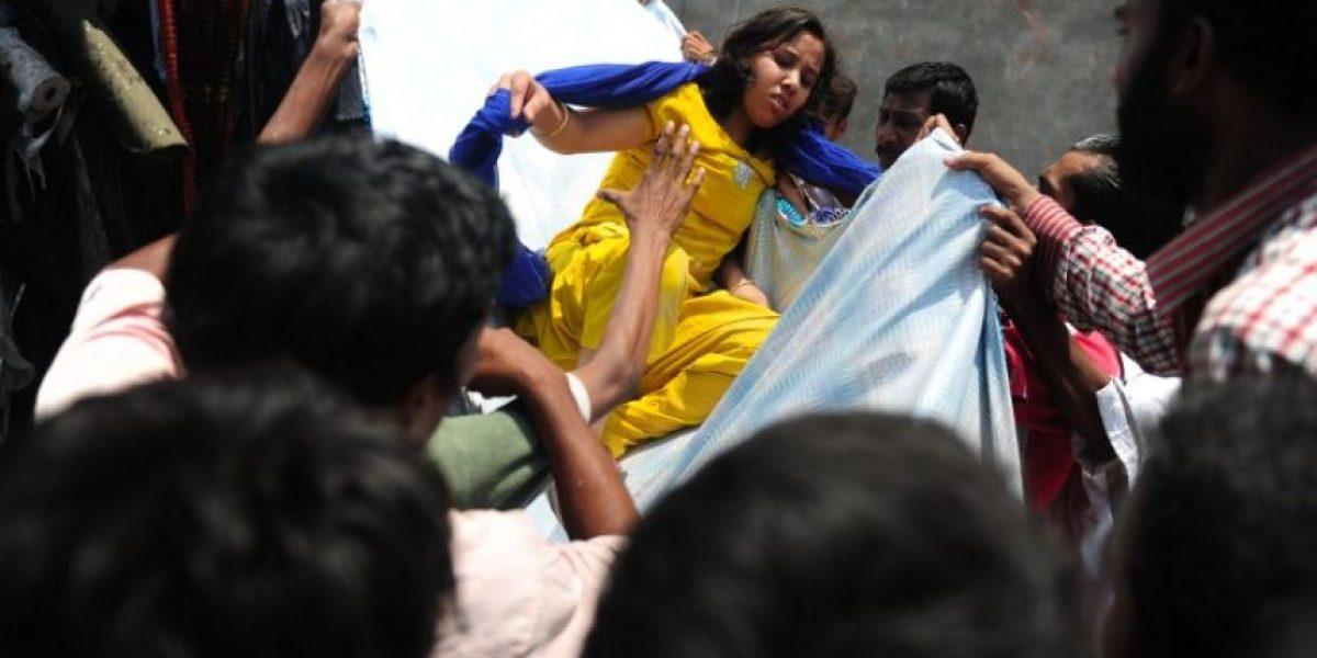 [FOTOS] Horror en Bangladesh: Derrumbe de edificio deja 110 muertos