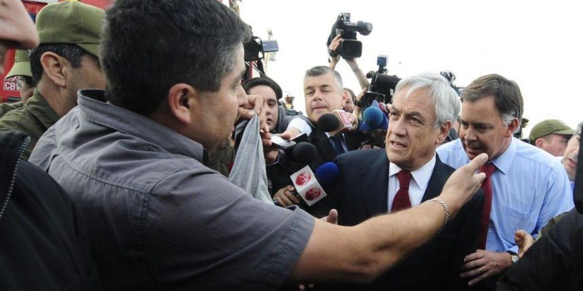 [FOTOS] Presidente Piñera fue increpado por damnificado del incendio en Valparaíso