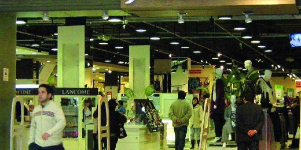 Tienda del retail decide no subir cobros por comisiones de su tarjeta tras mediación del Sernac