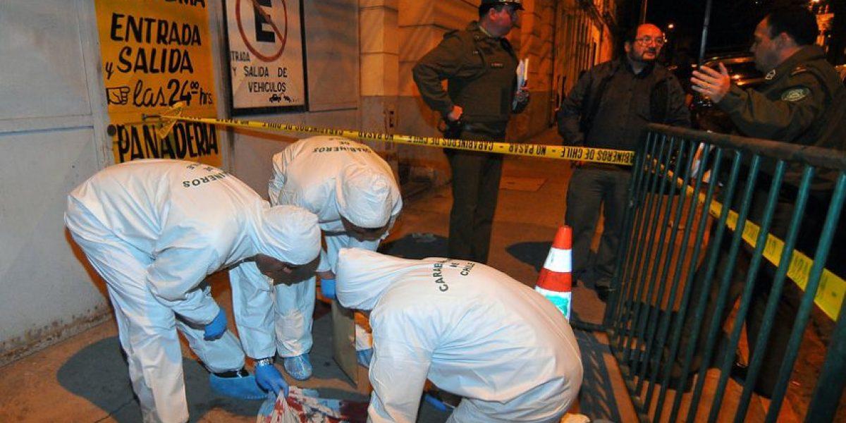 Hombre muere tras ser apuñalado en la vía pública en Valparaíso