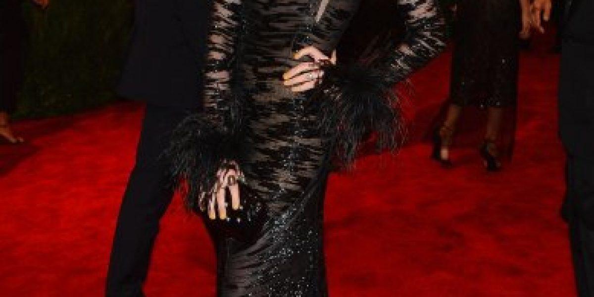 Anne Hathaway luce su radical cambio de look