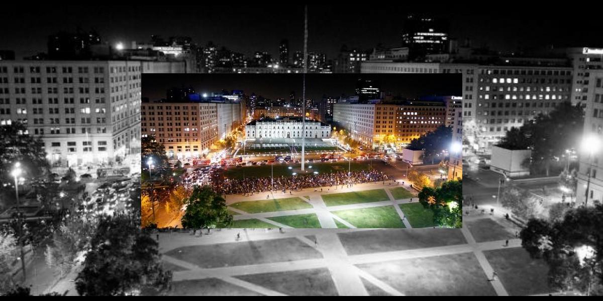 Masiva manifestación de ciclistas copó una calzada de Alameda frente a La Moneda