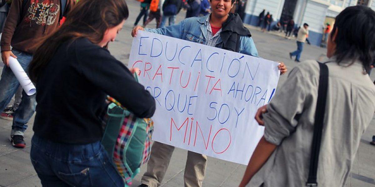 [FOTOS] Así se realiza la marcha por la Educación en Valparaíso