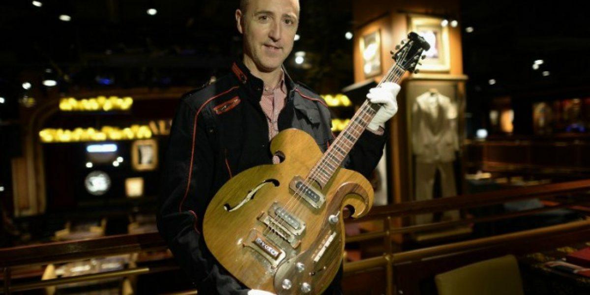 Extraña guitarra de The Beatles sale a subasta en Nueva York