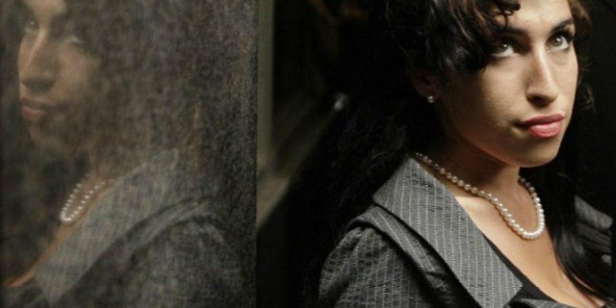 Nueva biografía sobre Amy Winehouse señala que a los 10 años quiso suicidarse