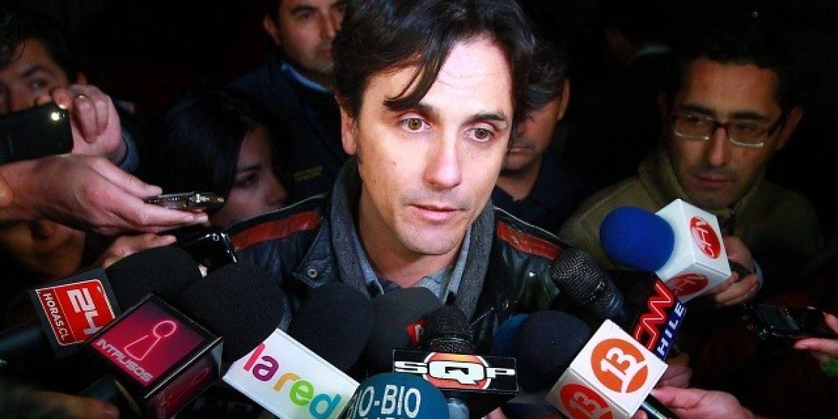 Sergio Lagos acompaña a declarar a su hermano detenido por marihuana