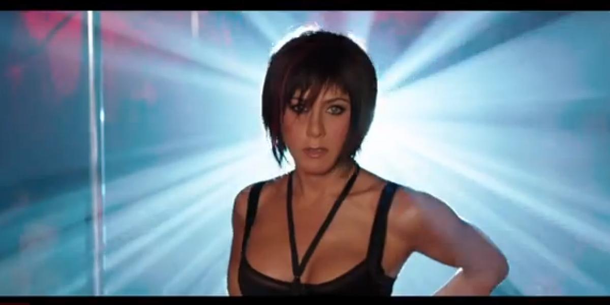 Jennifer Aniston se luce como stripper en trailer de