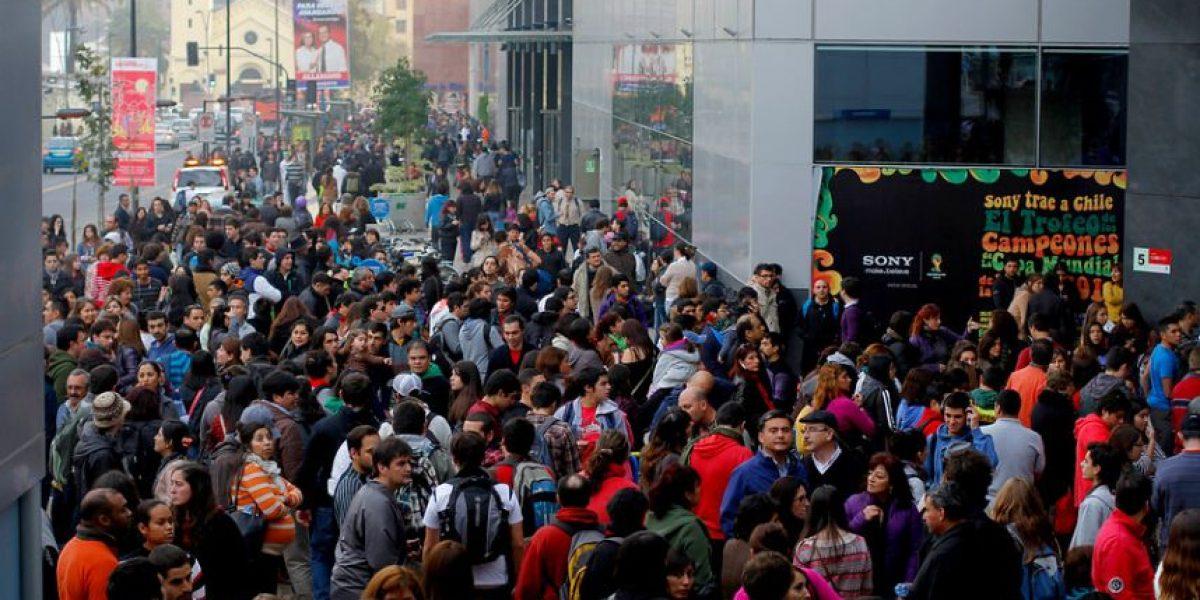 [FOTOS] Cientos de personas evacuaron el Costanera Center por incendio subterráneo