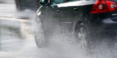 Prepárate para conducir en lluvia
