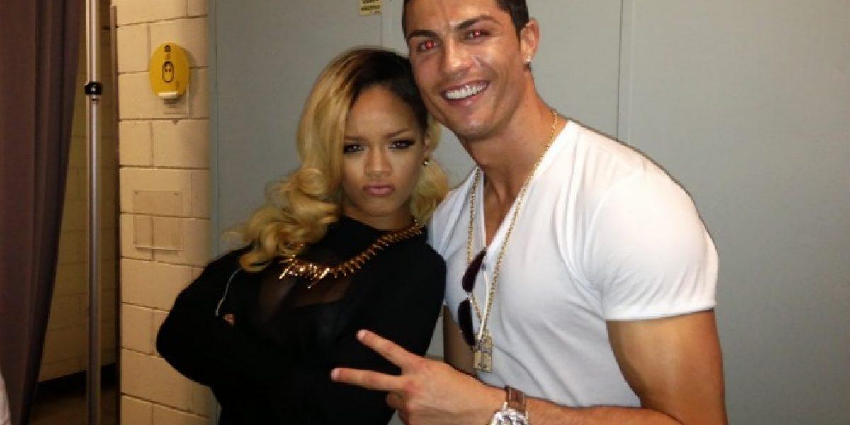 Cristiano Ronaldo se saca foto con Rihanna en su concierto en Lisboa