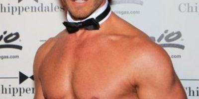 Actor de Beverly Hills 90210 ahora se desnuda en Las Vegas