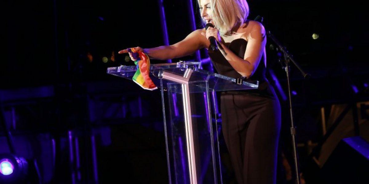 Lady Gaga reaparece tras operación a la cadera en marcha del Orgullo Gay