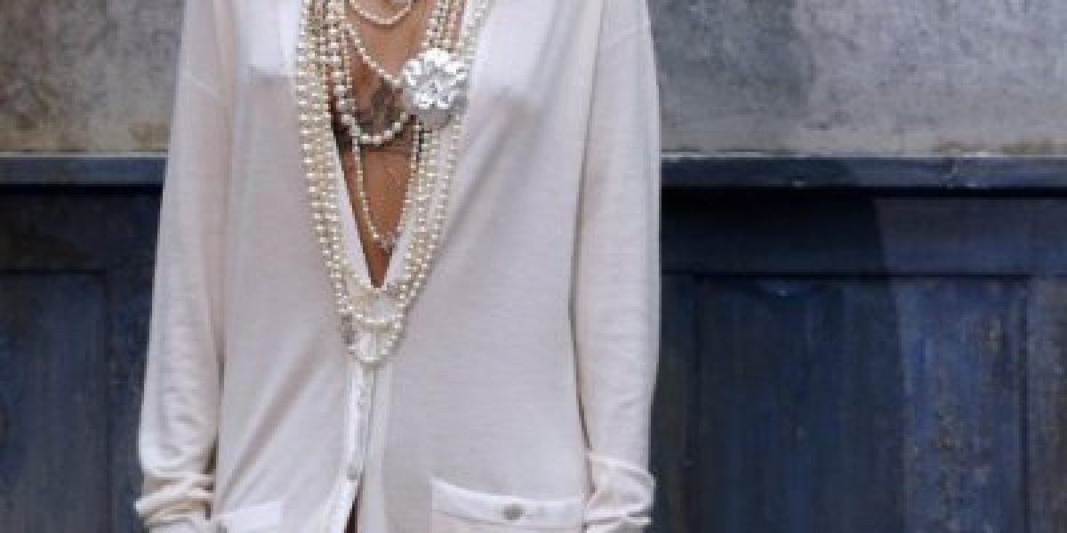 Rihanna acapara las miradas con este modelito en Paris
